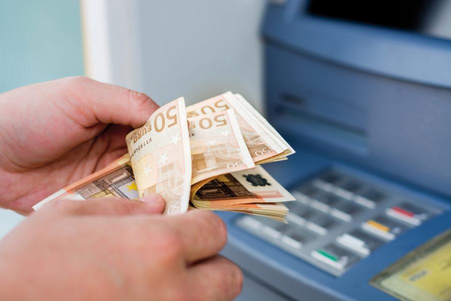 billetes. seguridad en cajeros