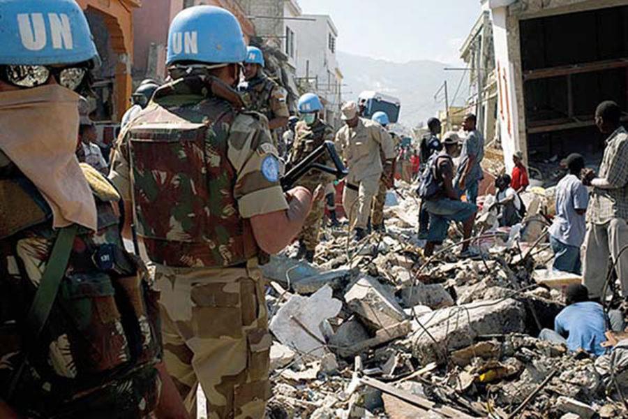 Brigada Paracaidista. Cascos azules (Naciones Unidas).