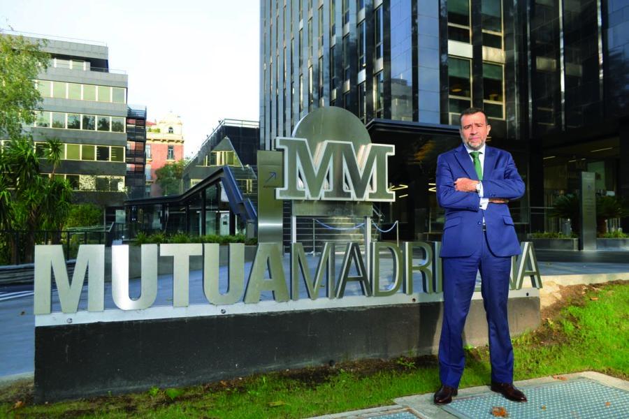 El director de Seguridad Corporativa de Mutua Madrileña en las instalaciones de la compañía.