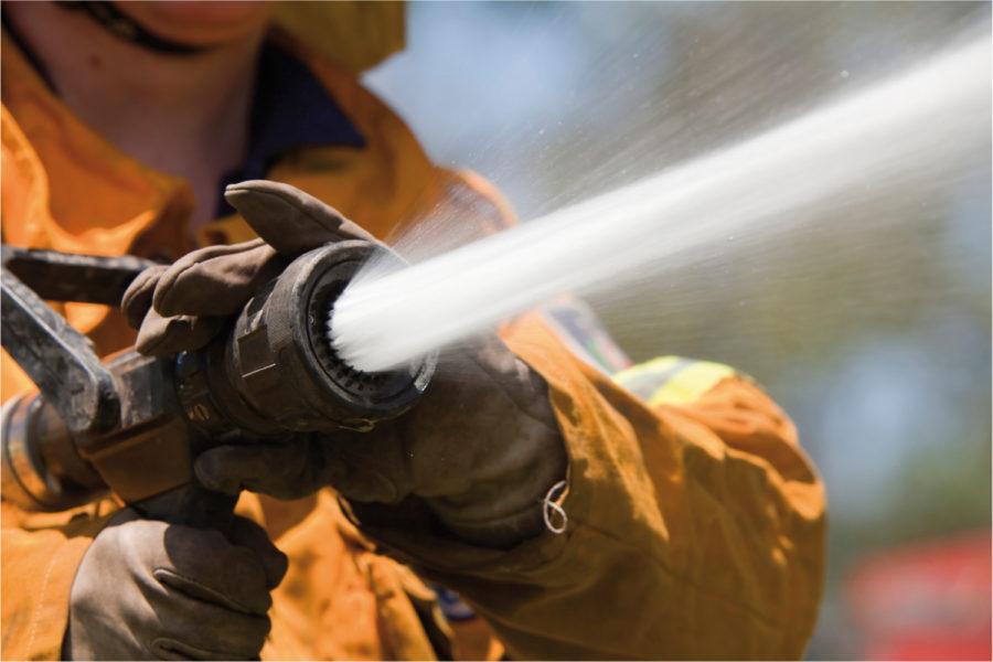 Protección contra incendios. Lanza de manguera con caudal.