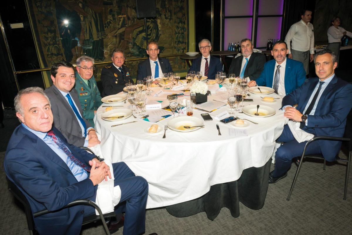 Trofeos de la Seguridad. Mesa de autoridades.