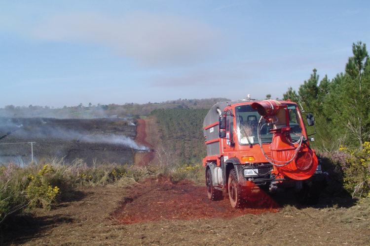 Camión contra incendios. Incendios forestales.
