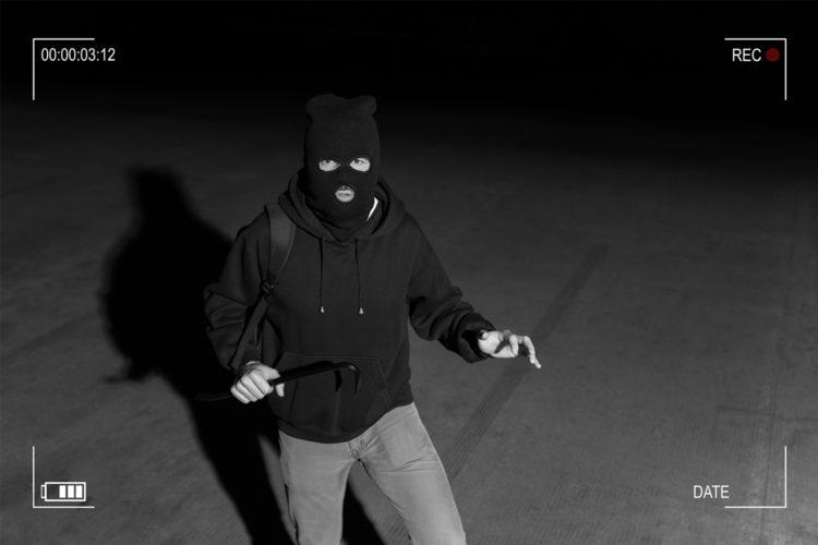 Un ladrón sorprendido cuando iba a robar