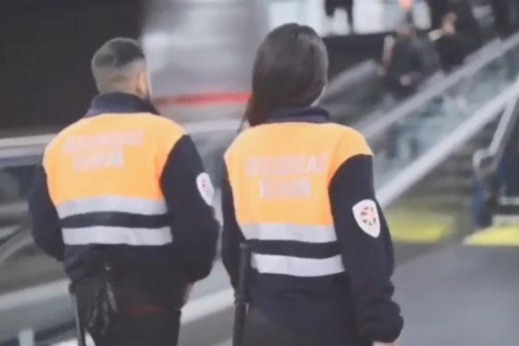 Vigilantes de seguridad en el Metro