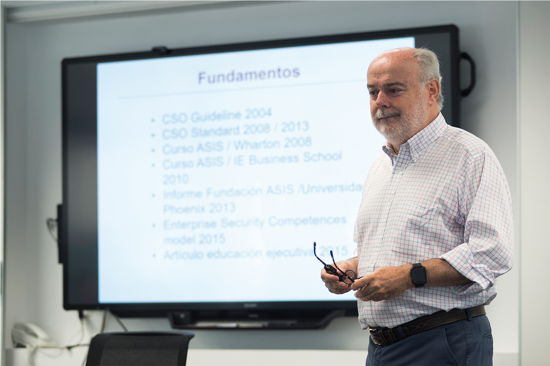 Juan Muñoz, experto en seguridad corporativa