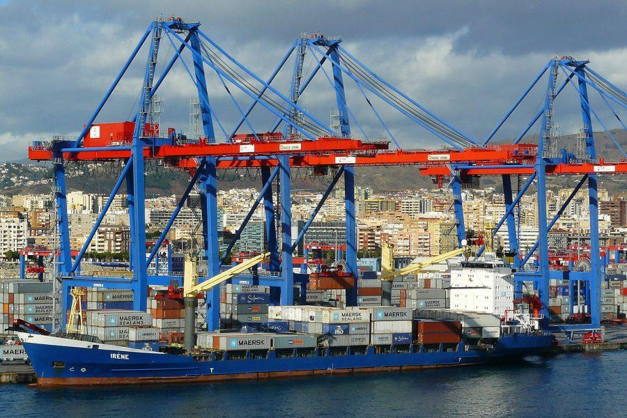 barco en puerto_seguridad portuaria Target