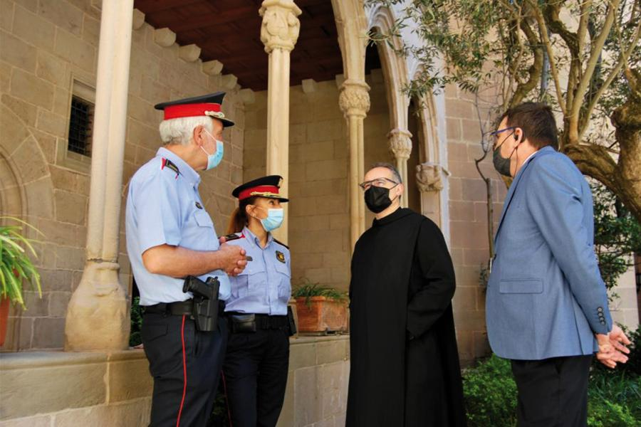Conversación entre los responsables de los Mossos, el director de seguridad y el ecónomo de la Abadía de Monserrat.