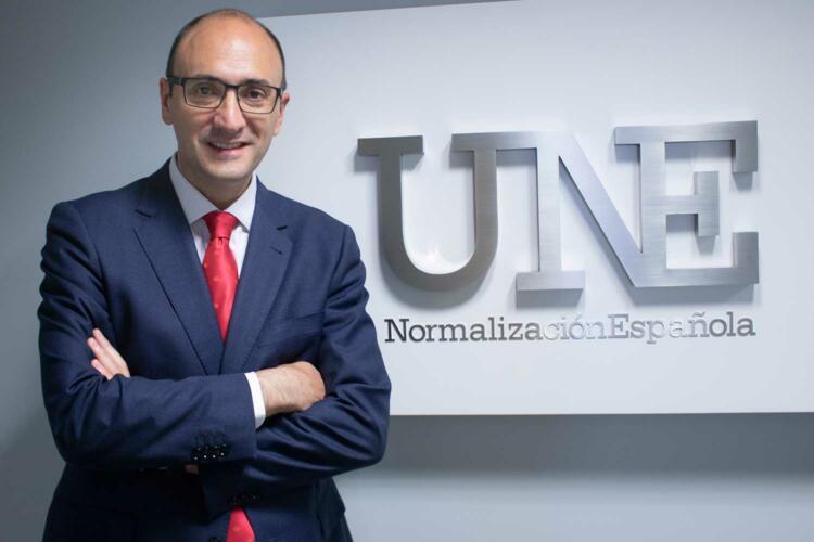 Javier García, director general de UNE.